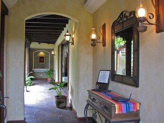 Casa Colores, Antigua