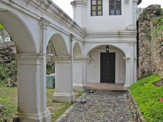Casa las Ruinas, Antigua