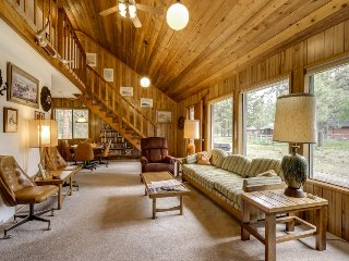 Cozy cabin w/ shared pool, tennis courts, near town & wilderness