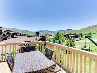 Spacious w/access to shared pool, hot tub, tennis courts + discounts on golf!, Sun Valley