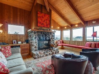 Dog-friendly w/ ocean views, private hot tub, walk to Shell Beach, Sea Ranch