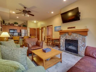 Remodeled ski-in/ski-out condo with a shared pool, hot tub & fitness center!, Solitude