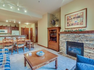 Ski-in/ski-out Powderhorn condo w/shared hot tubs, a pool & gym at Club Solitude
