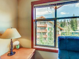 Ski-in/ski-out condo w/community hot tub & Club Solitude access - pools, etc!