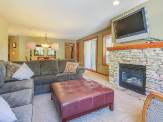 Ski-in/out condo w/access to Club Solitude - pools, hot tubs, & more!
