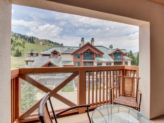 Ski-in/out condo w/ Club Solitude plus shared hot tub and pool
