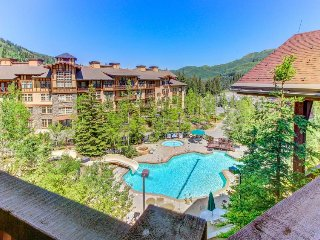 Cozy ski-in/out condo - access to Club Solitude w/shared pool, hot tub & more!