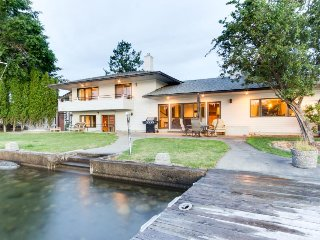 Spacious riverfront home w/private boat launch, dock & hot tub!
