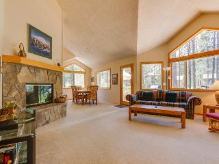 Large Sunriver home in quiet neighborhood w/ private hot tub & Free SHARC access