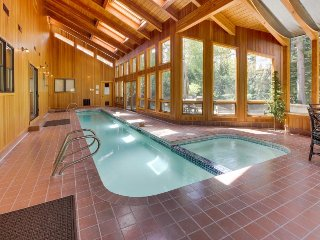 Incredible views & private indoor pool, hot tub, and SHARC access!, Sunriver