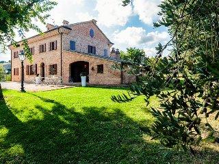 Charming Italian condo w/shared pool, hot tub, & gardens!, Senigallia