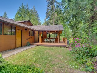Northwest Art and stylish comfort nestled among the trees!