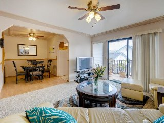 Cozy condo in the heart of Pismo w/ entertainment, walk to beach/town!