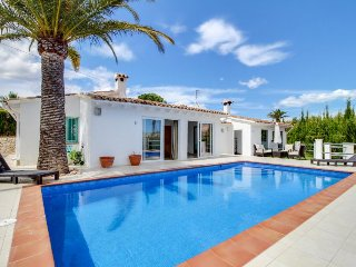 Stunning villa w/ private pool & modern decor, Teulada