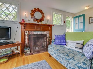 Charming, dog-friendly home near beaches and marina!, Vineyard Haven