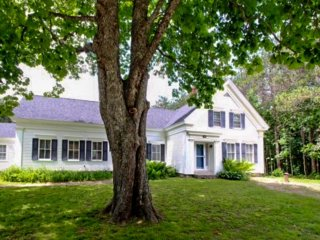 Historic, dog-friendly home w/ lawn, bikes, and walking access to the shore!, Waldoboro