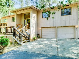 Family-friendly house with quiet location, shared amenities including pool