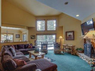 Luxurious Big Bear Lake retreat w/private hot tub, pool table & jetted bathtub!, Big Bear Region