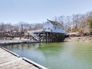 A three-home compound perfect for weddings and retreats!, East Boothbay
