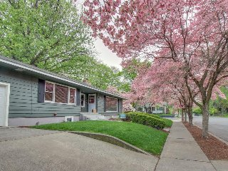 Picturesque, dog-friendly home w/ private hot tub & stylish outdoor living space, Walla Walla