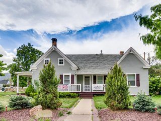 "Dog-friendly, turn-of-the-century home near the ""Mighty 5"" national parks!, Parowan"