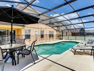 Designer home w/ private pool & game room near Disney World! Snowbirds welcome!