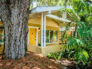 Dog-friendly vibrant cottage w/ a hot tub, beach access, and more!