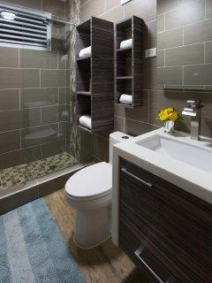 A new bathroom in unit #1 at Costa Bela!