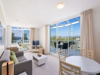 THE MINI PENTHOUSE - ETTALONG BEACH RESORT, Ettalong Beach
