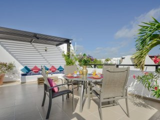 Fabulous Penthouse  with pool, best location close to 5th Avenue & Playa Mamitas
