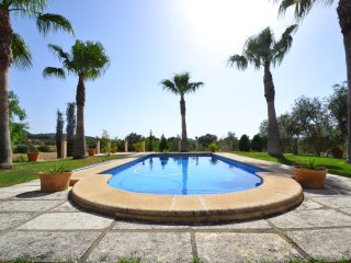 Exclusive Villa Sineu with swimming pool.
