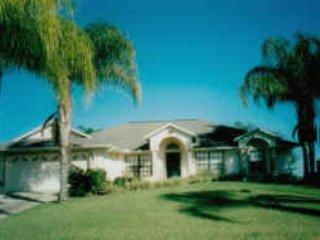 The Palms Villa, Fantastic Rental a Pool lake view, Davenport