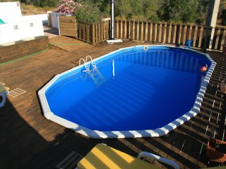 Modern Villa with 4 bedrooms & 2 pools, free Wifi., Silves