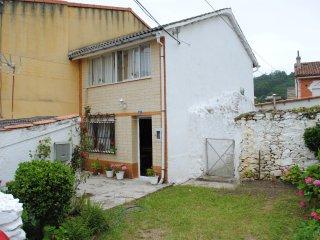 casa de dos plantas con tres dormitorios y terraza, San Juan de la Arena