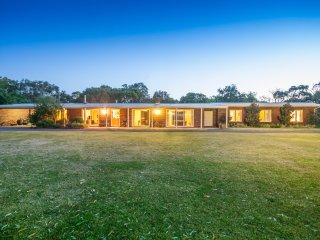 Lara at Liptrap | idyllic spacious entertainer, Walkerville