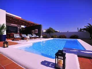 Villa Bellavista B1 with private heated pool, wifi, air conditioner, etc ...