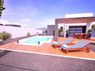 Villa Bellavista A6 with private heated pool, wifi, air conditioner, etc ...
