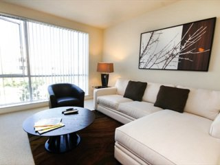 MODERN AND CLASSY FURNISHED 2 BEDROOM 2 BATHROOM APARTMENT, Santa Clara