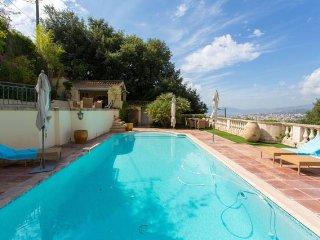 La Californie Villa, Superb Cannes Rental with a Pool, Sauna, Grill
