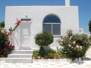 MOLOS HOUSES