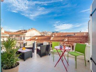 DALPOZZO - Bright studio with AC and big terrace