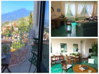 CASA MARGOT Etna & Sea view. Parking & wi-fi, Taormina