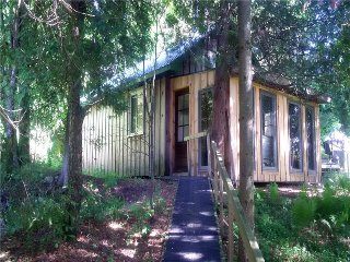 The Woodcarver's Studio Cabin, Kincardine