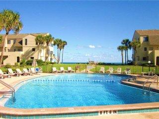 Summerhouse 133,  2 Bedrooms, Ocean View, 4 Heated Pools, WiFi, Sleeps 6, Saint Augustine