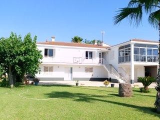 Casa con jardin y barbacoa a 50 metros del mar