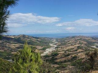 Castroregio, panoramico, monti, mare  e molto relax