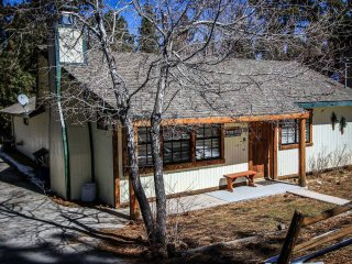 1326-Murphy's Cabin, Big Bear City
