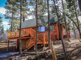 1494-Living Log Cabin, Big Bear City