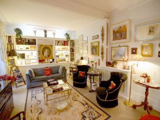 Elegant Parisian Gem Near the Seine - Alma ET