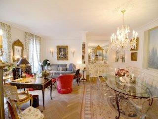 Elegant 3 Bedroom Apt Near Eiffel Tower - Alma